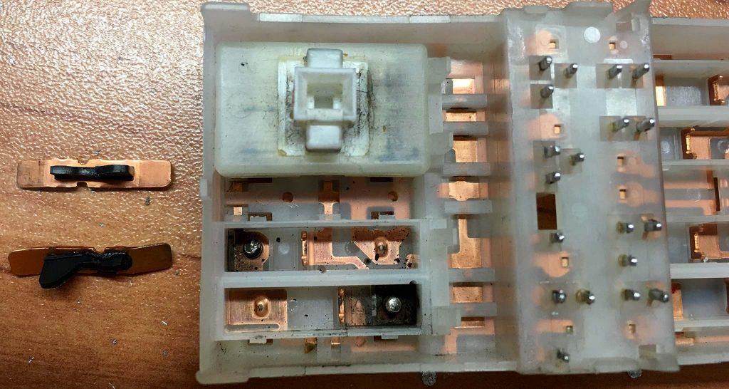 پلاتین کنتاکت کلید بالابر شیشه نیسان مورانو
