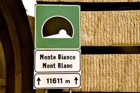 تونل مونت بلانک بین ایتالیا و فرانسه به طول 12 کیلومتر